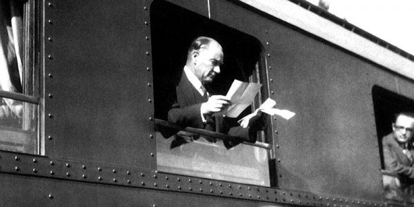 Atatürk Kütahya Tren Garında